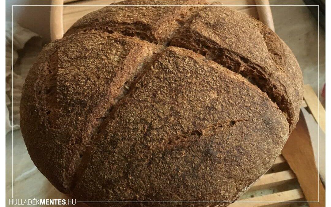 Így készül a teljes kiőrlésű, élesztő nélküli kovászos kenyerünk